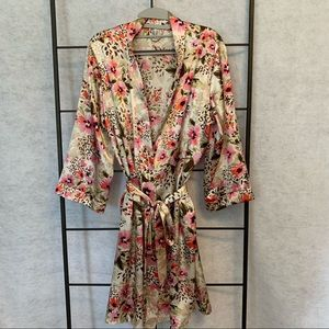 George Floral Short Robe With Belt. Size L 12-14